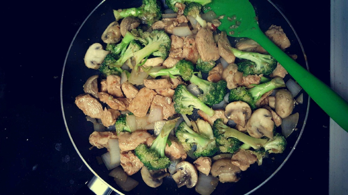 Recipe: Sweet Chili Chicken Stirfry
